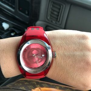 Gucci rubber watch